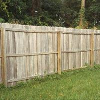 Natural Wood Fencing Before - Patriot SoftWash