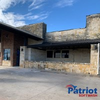 Patriot Softwash Austin Stone Wall 01-2021 Before - Patriot SoftWash