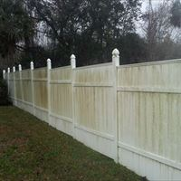 Vinyl Fencing Before - Patriot SoftWash